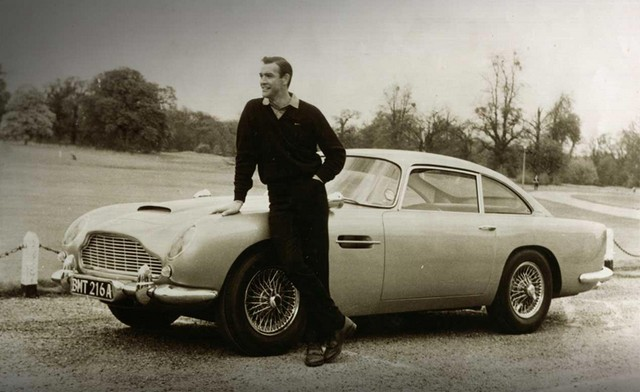 18 James Bond
