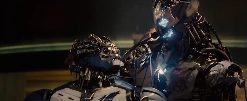 4 Avengers 2 Fragman Ultron Smash