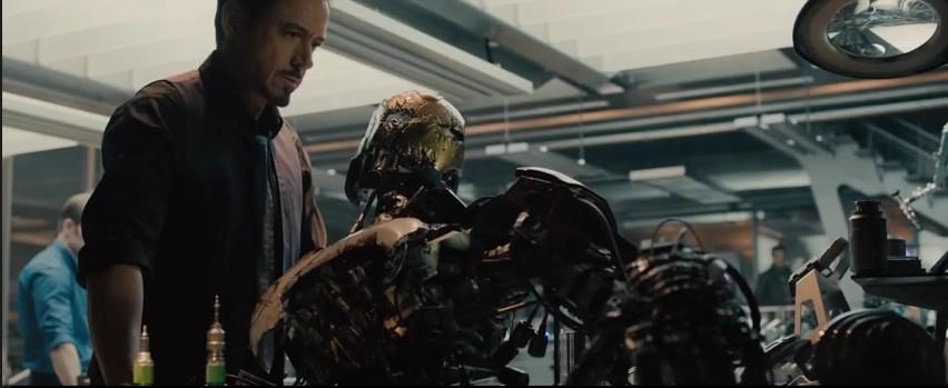 9 Avengers 2 Fragman Ultron Stark