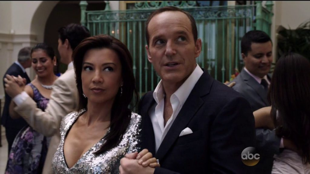 Agents of SHIELD S02E04 Coulson May Dancing
