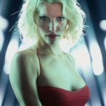 battlestar_galactica_tricia_helfer_cylon_desktop_2550x3513_hd-wallpaper-567006