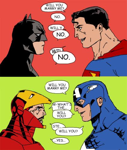 DC ve Marvel'ın farkını en güzel özetleyen yegane görsel.