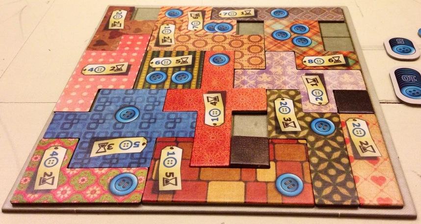 Çok güzel derli toplu bir oyuncu tahtası!