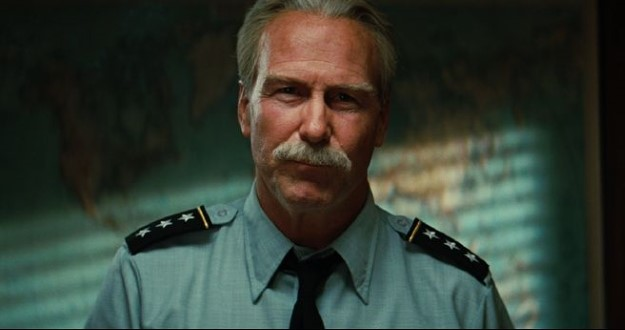 02 William Hurt