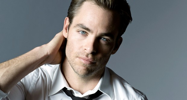 1392220129_chris-pine-armani-zoom