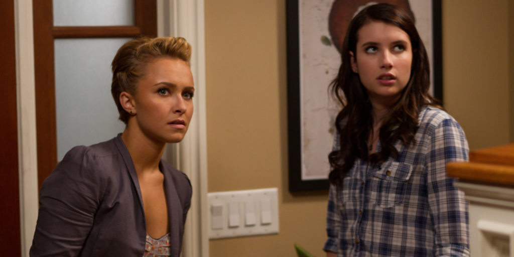 scream-4-hayden-panettiere-emma-roberts-01