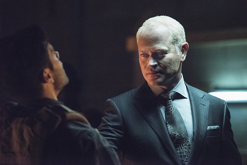 Arrow-season-4-episode-1-Damien-Darhk