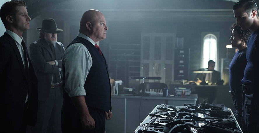 Gotham-2x04-Captain-Barnes