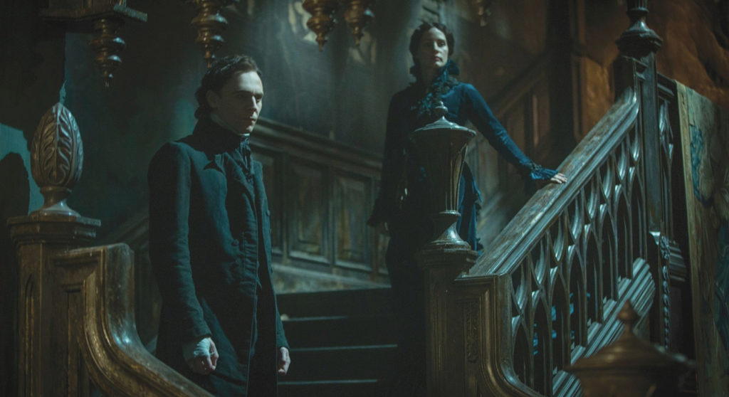 Tom-Hiddleston-and-Jessica-Chastain-in-Crimson-Peak