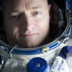scott-kelly-gabrielle-giffords-astronaut