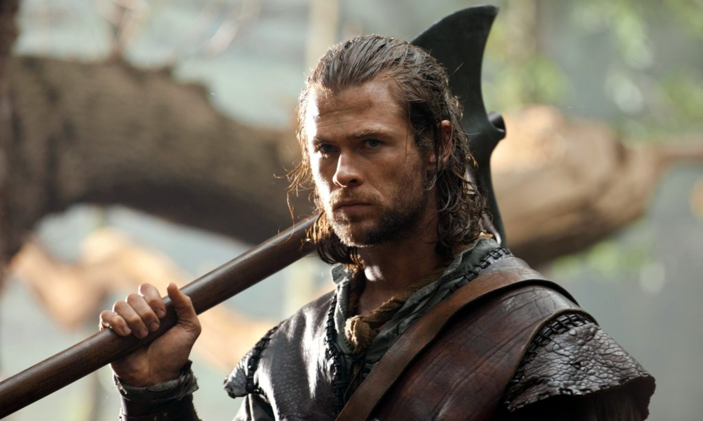 CHRIS HEMSWORTH Character(s): The Huntsman Film 'SNOW WHITE AND THE HUNTSMAN' (2012) Directed By RUPERT SANDERS 01 June 2012 SAB4044 Allstar Collection/UNIVERSAL PICTURES **WARNING** This photograph can only be reproduced by publications in conjunction with the promotion of the above film. A Mandatory Credit To UNIVERSAL PICTURES is Required. For Printed Editorial Use Only, NO online or internet use.