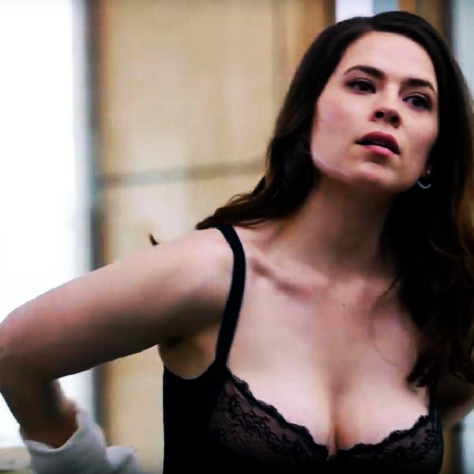 hayley atwell boobs
