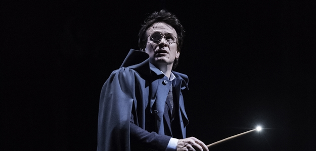 1.-Harry-Potter-and-the-Cursed-Child-photo-credit-Manuel-Harlan