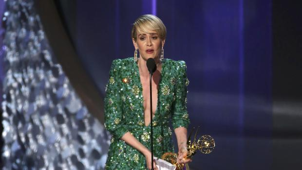 """Sarah Paulson accepts the award for Outstanding Lead Actress In A Limited Series Or Movie for """"The People v. O.J. Simpson: American Crime Story"""" at the 68th Primetime Emmy Awards in Los Angeles, California, U.S., September 18, 2016. REUTERS/Mike Blake"""