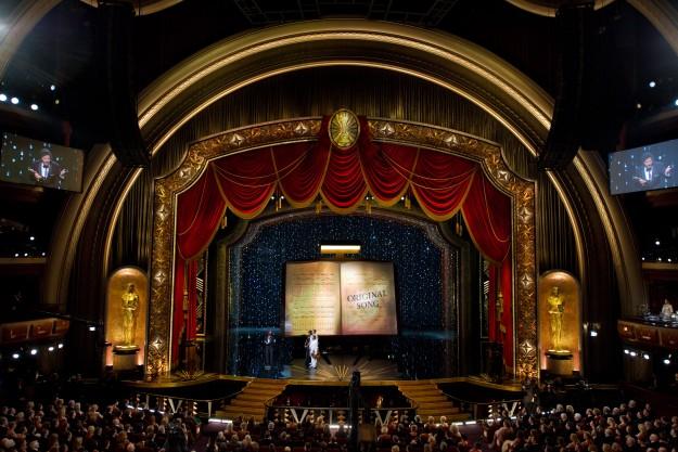 2012-oscar-stage-design-by-john-myhre