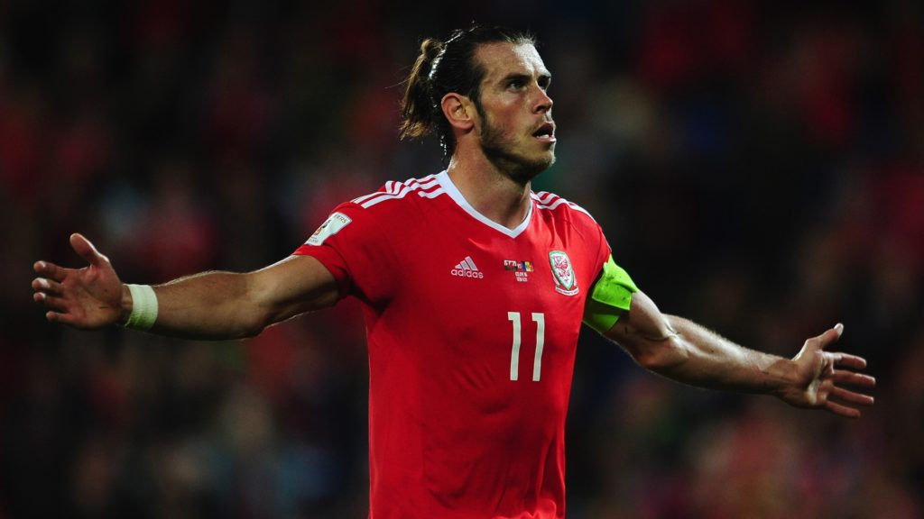 CARDIFF, UNITED KINGDOM - SEPTEMBER 05: Gareth Bale of Wales celebrates after scoring his sides fourth goal during the 2018 FIFA World Cup Qualifier between Wales and Moldova at the Cardiff City Stadium on September 5, 2016 in Cardiff, Wales. (Photo by Harry Trump/Getty Images)