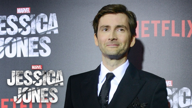 david-tennant-on-kilgrave-marvels-jessica-jones-red-carpet