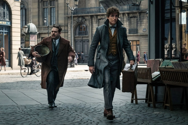 gallery-1515147630-jacob-and-newt-fantastic-beasts-2