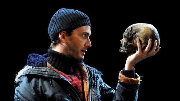 david-tennant-hamlet-skull