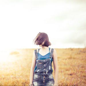 fashion-field-girl-594685