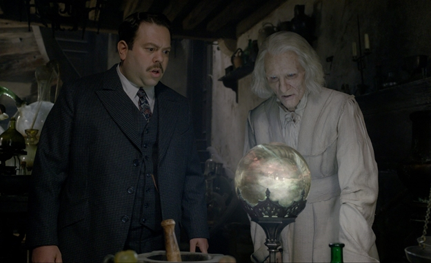 crimes-of-grindelwald-nicolas-flamel-e1542229486749