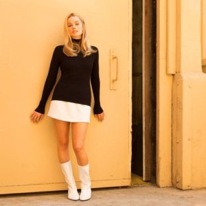 0x0-margot-robbieden-ilk-once-upon-a-time-in-hollywood-fotografi-geldi-1533634757493