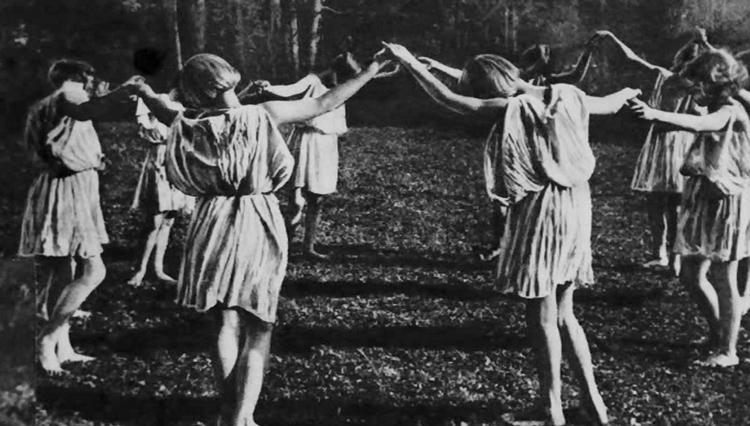 ritual-circle-ceremony-womens-sacred